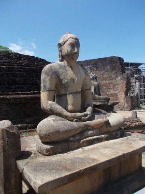 statue-bouddhiste-sri-lanka